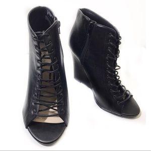 Torrid 9 W Black Ankle Booties Wedge Lace Up Peep
